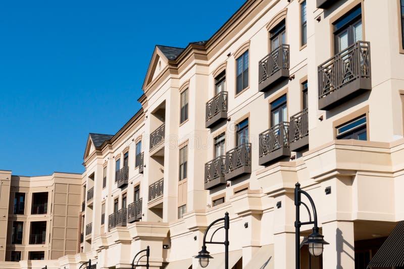 现代公寓住宅区外部 图库摄影