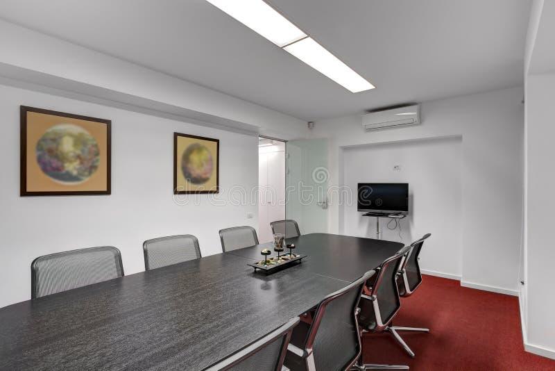 现代办公室会议室 免版税库存照片