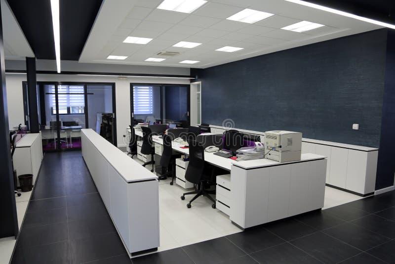 现代办公室内部 免版税库存图片