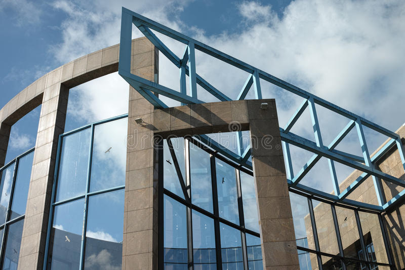 现代办公楼在慕尼黑 免版税库存照片