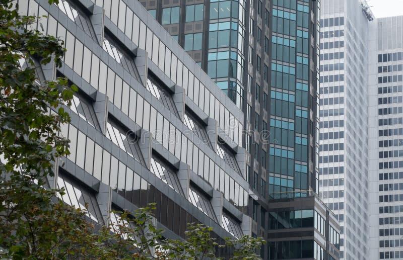 现代办公楼在街市蒙特利尔 免版税库存照片