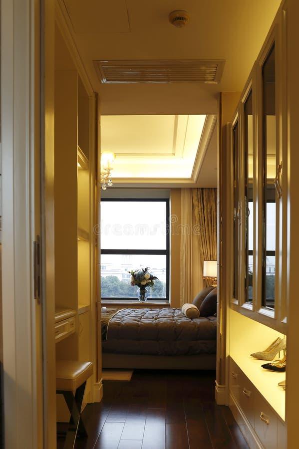 现代卧室走廊 免版税库存图片