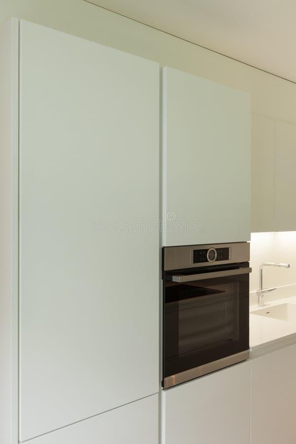现代厨房烤箱  库存照片
