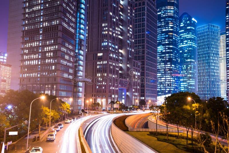 现代城市夜场面  免版税库存照片