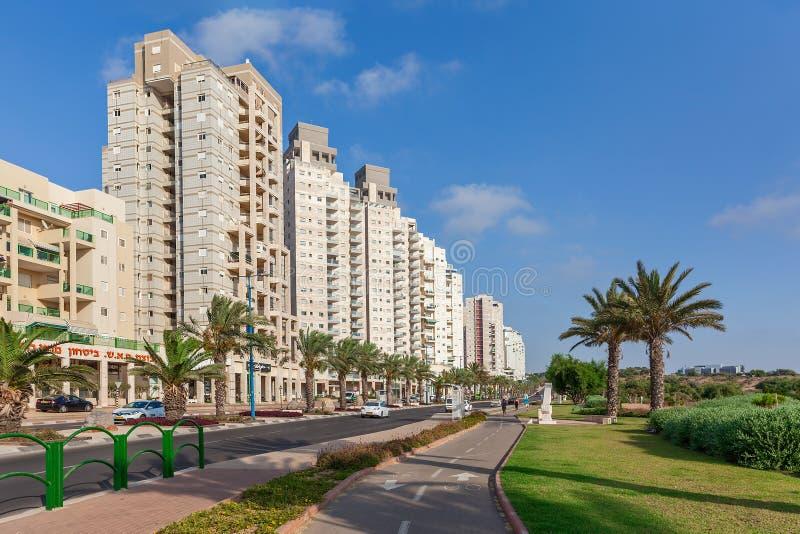 现代大厦在阿什凯隆,以色列 免版税库存照片
