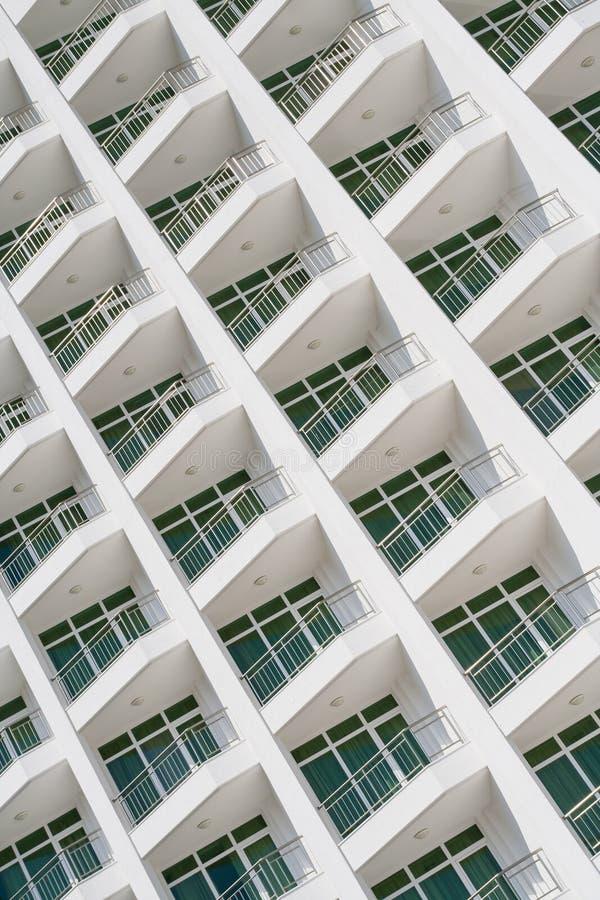 现代大厦门面,阳台 免版税图库摄影