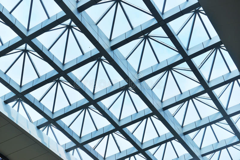 现代大厦玻璃天花板 免版税库存图片