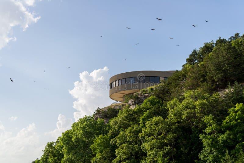 现代大厦- Truman湖奥扎克族印第安人访客中心 图库摄影