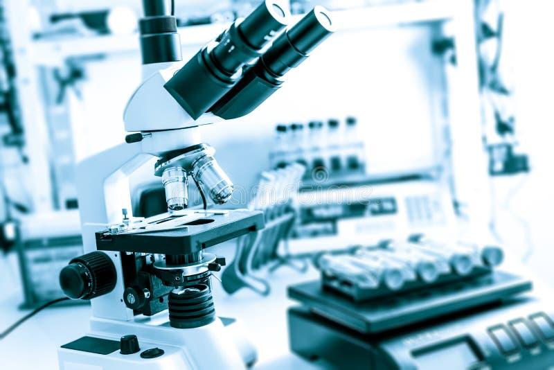 现代医学实验室 免版税图库摄影