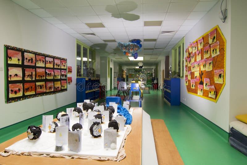 现代学校走廊 库存图片