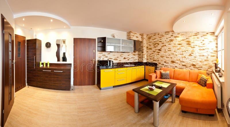 现代客厅和厨房 免版税库存照片