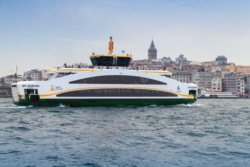 现代客船,伊斯坦布尔,土耳其 免版税库存照片