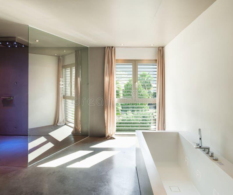 现代房子,内部,卫生间 免版税库存图片