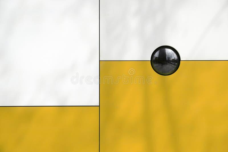 现代抽象的结构 线细节构成、白色和黄色 库存图片