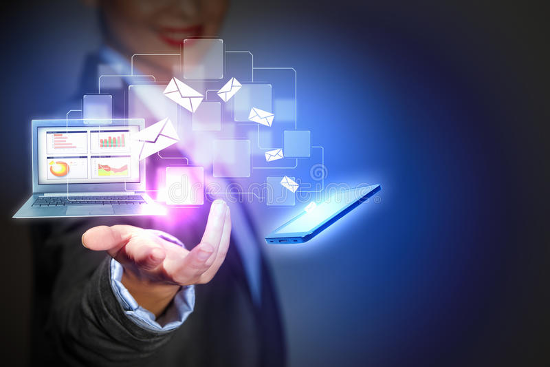 现代无线技术和社会媒介 免版税库存照片