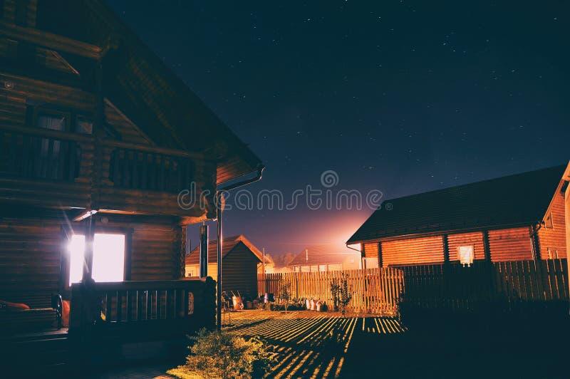 现代木房子 图库摄影