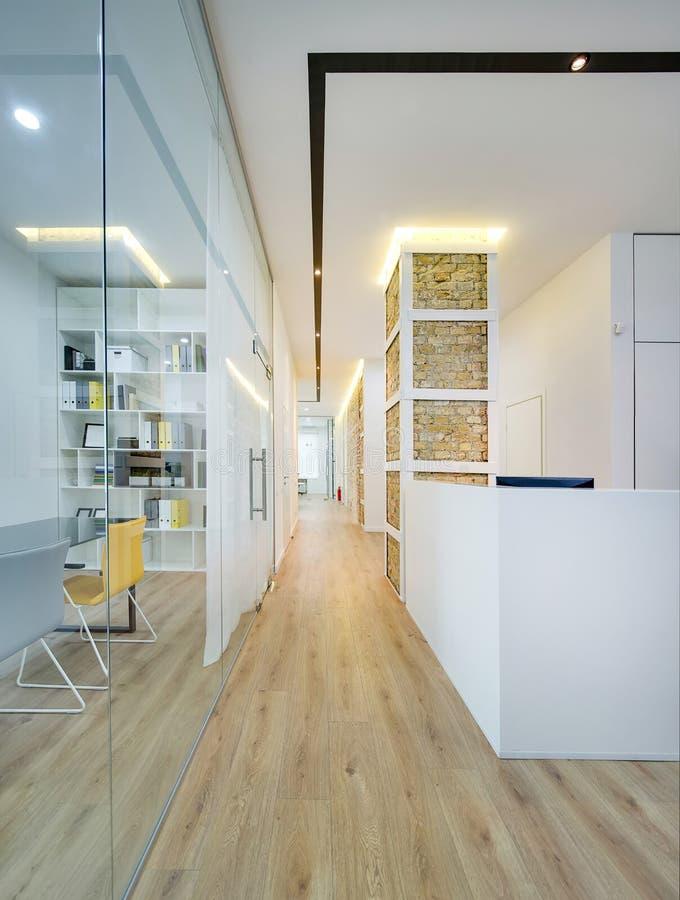 现代样式的办公室 免版税图库摄影