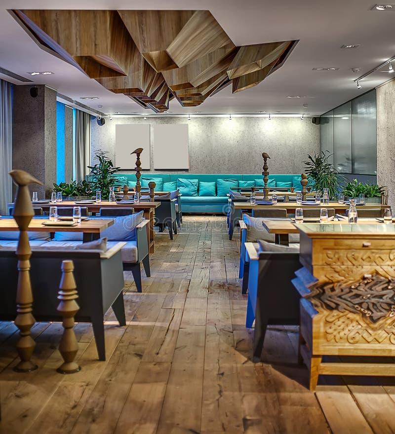 现代样式的餐馆 免版税库存图片