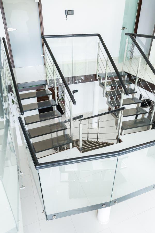 现代楼梯在家 库存照片