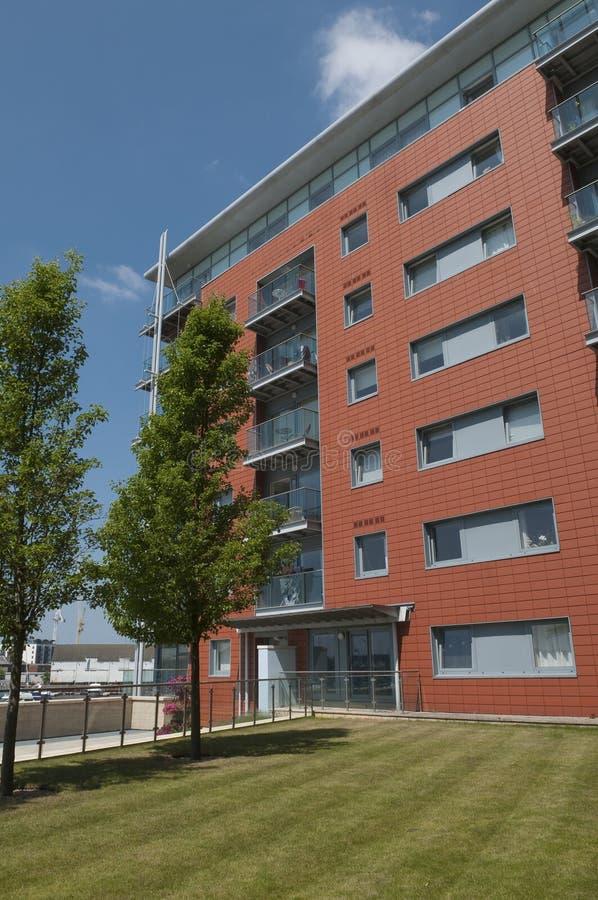 现代江边公寓在伊普斯维奇英国 免版税库存图片