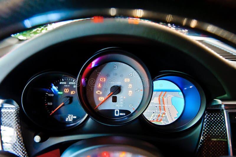 现代汽车仪表板特写镜头 免版税图库摄影