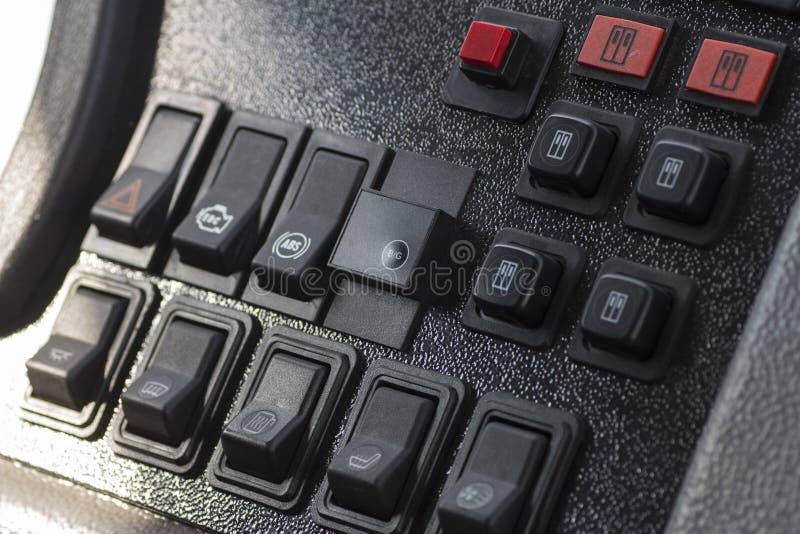 Download 现代汽车仪表板特写镜头 库存照片. 图片 包括有 设备, automatics, 仪器, 电子, 现代, 数字式 - 72360860