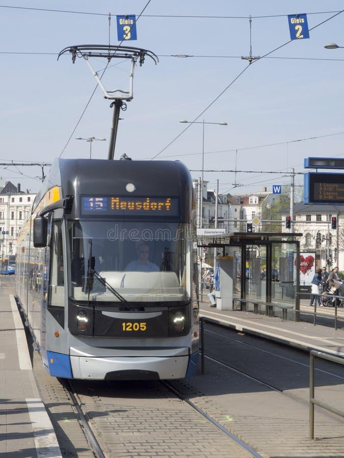 现代电车轨道在莱比锡 免版税库存照片