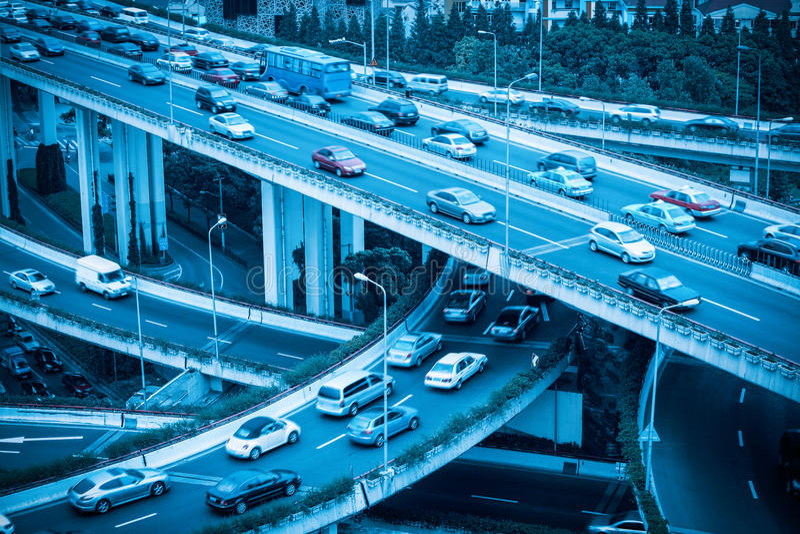现代立体交叉高架桥特写镜头 库存照片