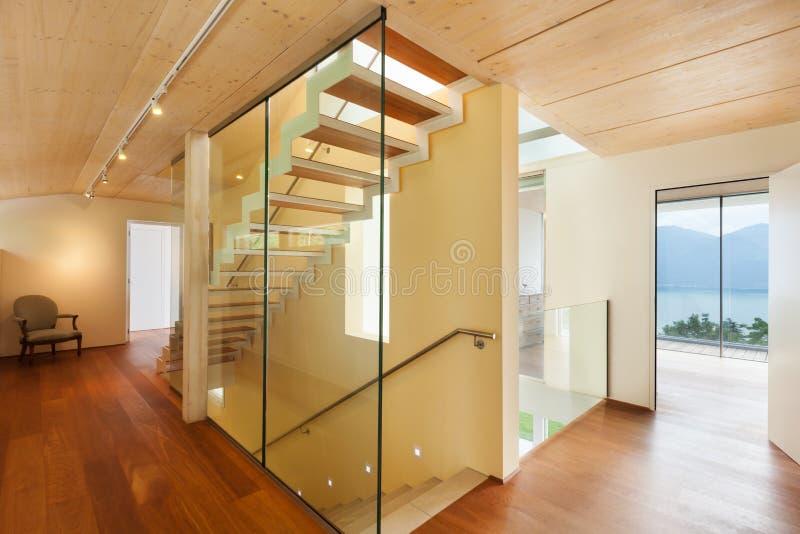 现代建筑学,内部,楼梯 免版税库存照片