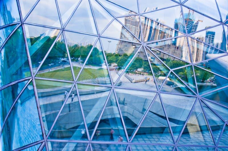 现代建筑玻璃反射的方形的图片 库存图片