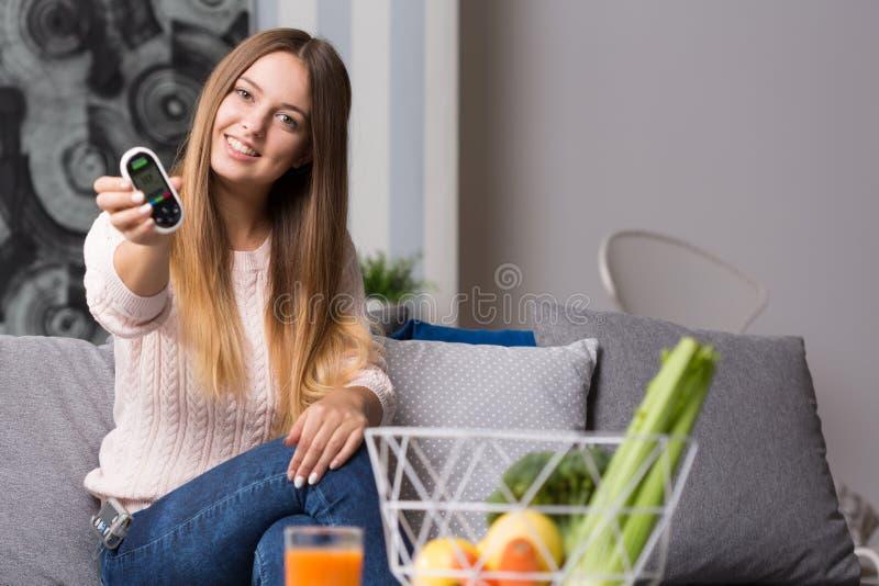 现代糖尿病女孩 免版税库存图片