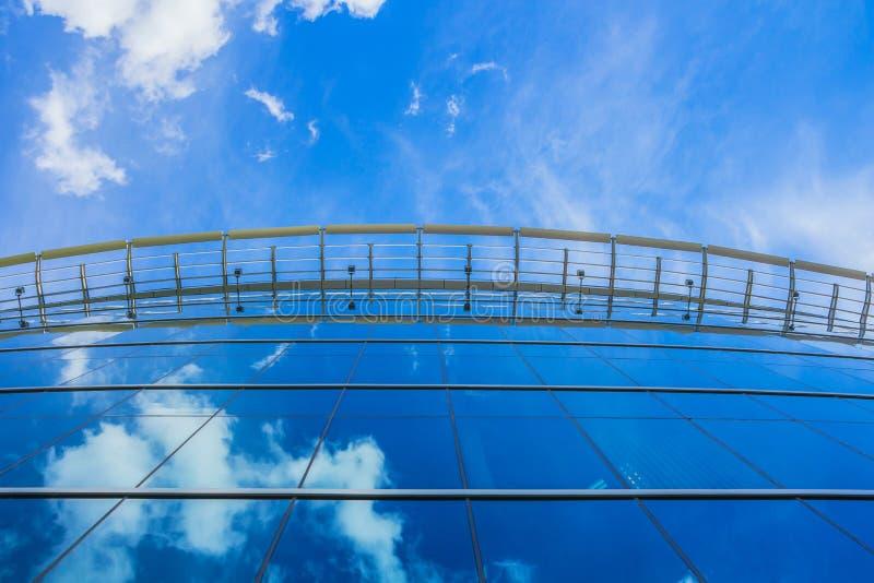 现代蓝色玻璃企业大厦 图库摄影