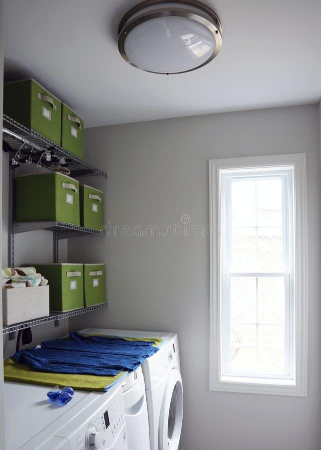 现代洗衣房 库存图片