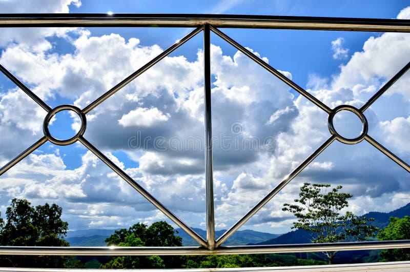 现代钢阳台的透视 库存照片