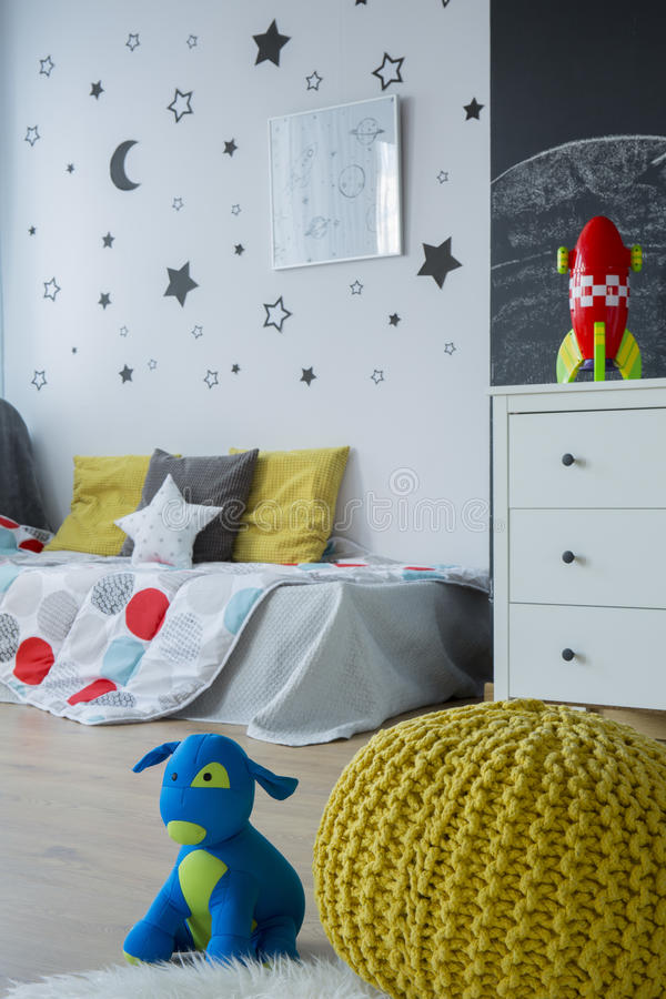 现代风格想法的儿童居室 图库摄影