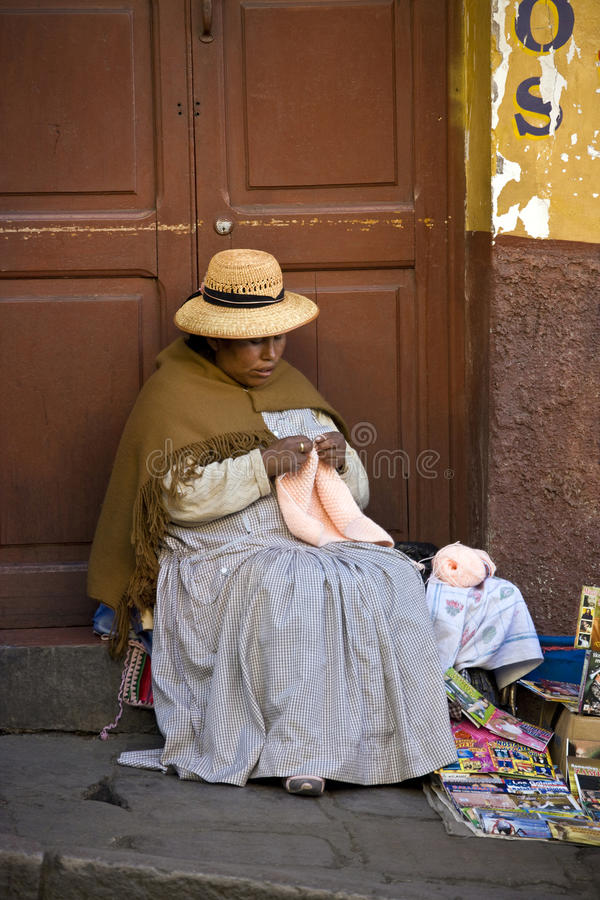 玻利维亚-拉巴斯-局部妇女 库存照片