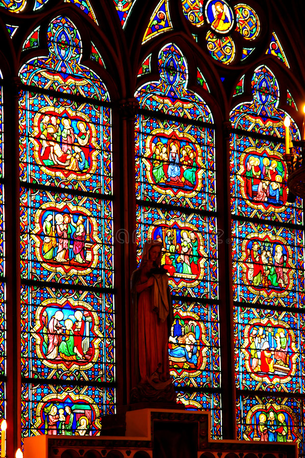 玻璃中世纪被弄脏的视窗 免版税图库摄影