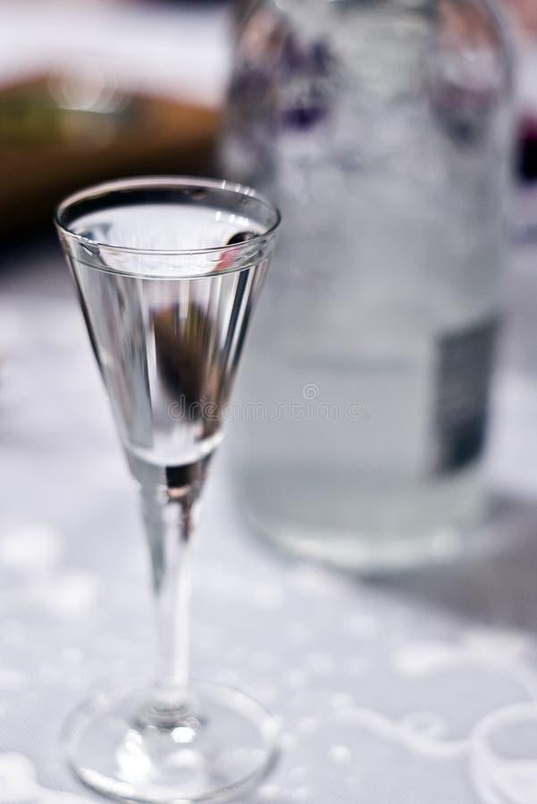 玻璃伏特加酒 库存图片