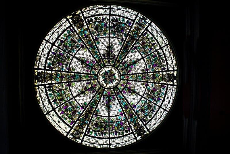 玻璃来回被弄脏的视窗 免版税库存照片