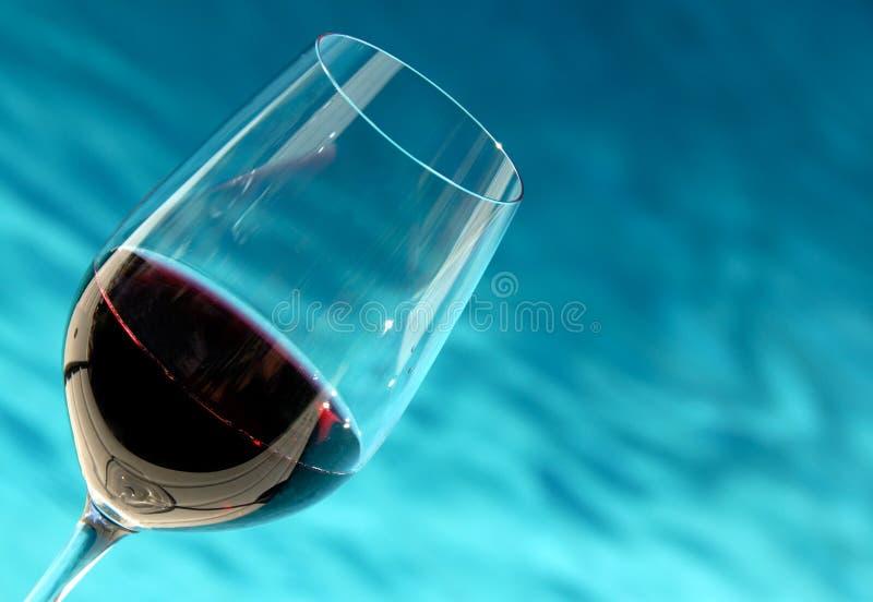 玻璃池酒 免版税库存图片