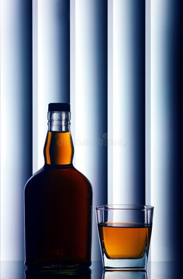 玻璃瓶苏格兰威士忌酒 库存图片