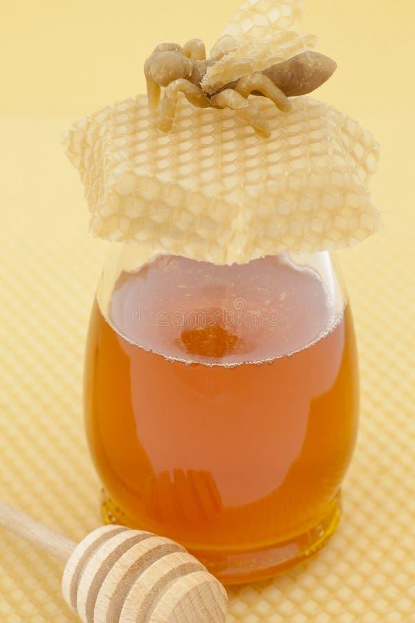 玻璃蜂蜜 库存图片