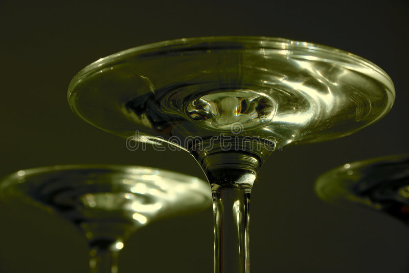 玻璃马蒂尼鸡尾酒v 库存图片
