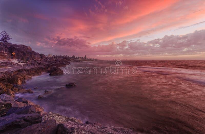 珀斯海滩晃动日落 免版税库存照片