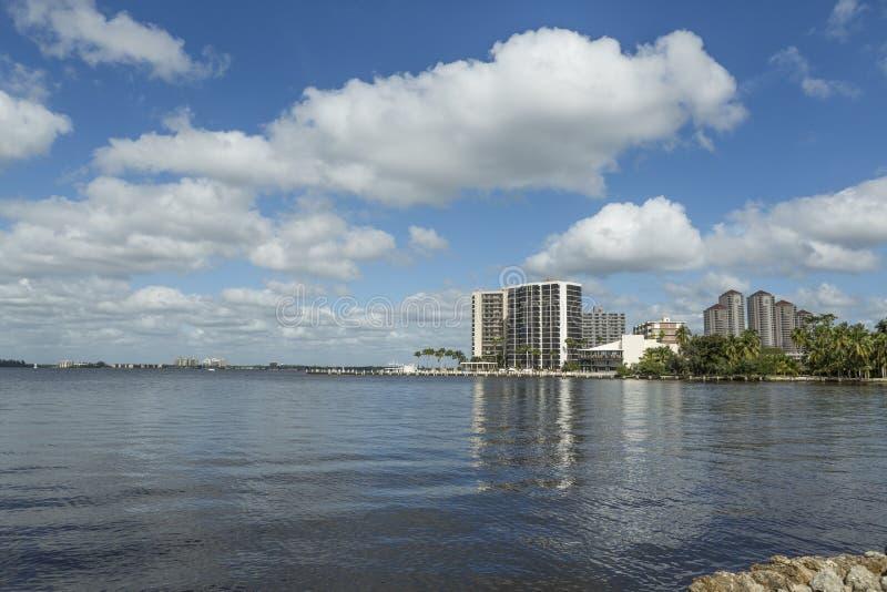 珊瑚角,佛罗里达 从海滩的看法在珊瑚角 库存图片