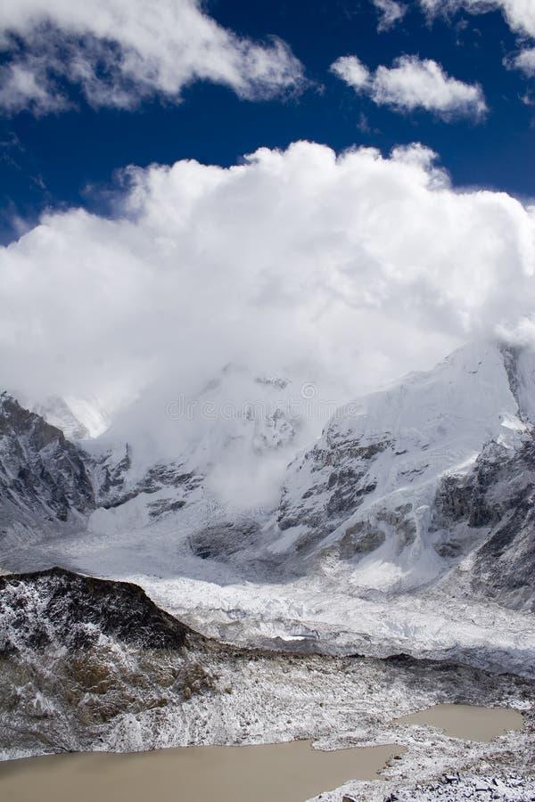 珠穆琅玛挂接尼泊尔 库存照片