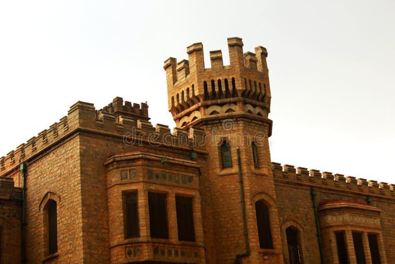 班格洛宫殿视图的石城垛 免版税库存照片