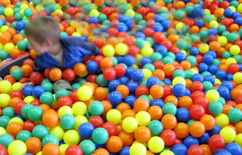 球五颜六色的乐趣孩子 图库摄影