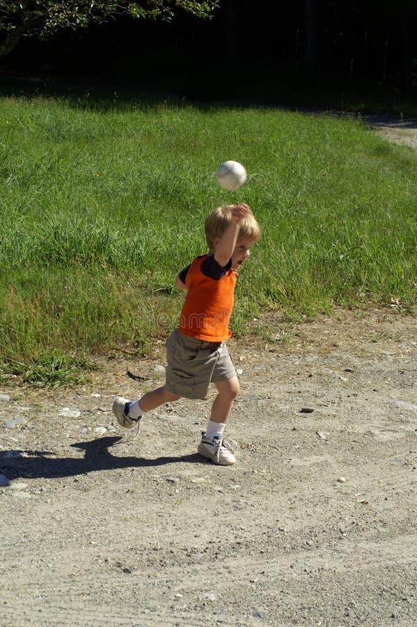 球儿童投掷 库存照片