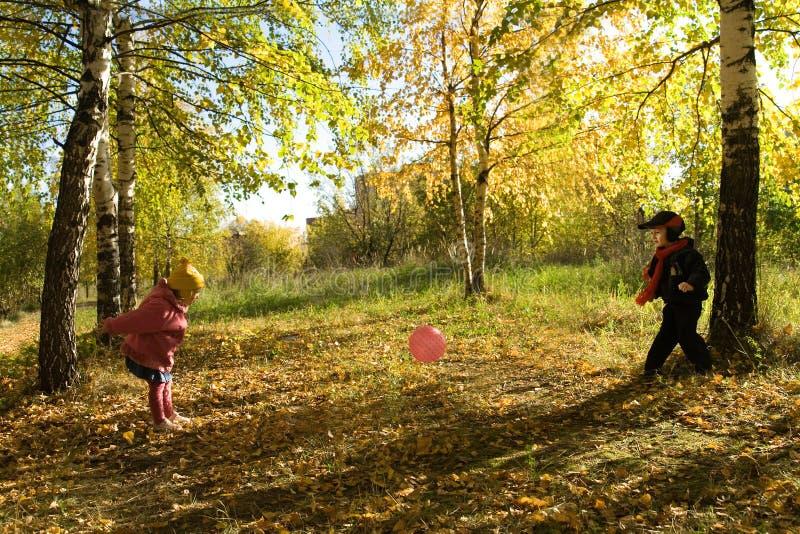 球儿童游戏 图库摄影